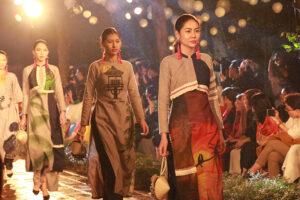 Thế giới trong tà áo dài Việt Nam