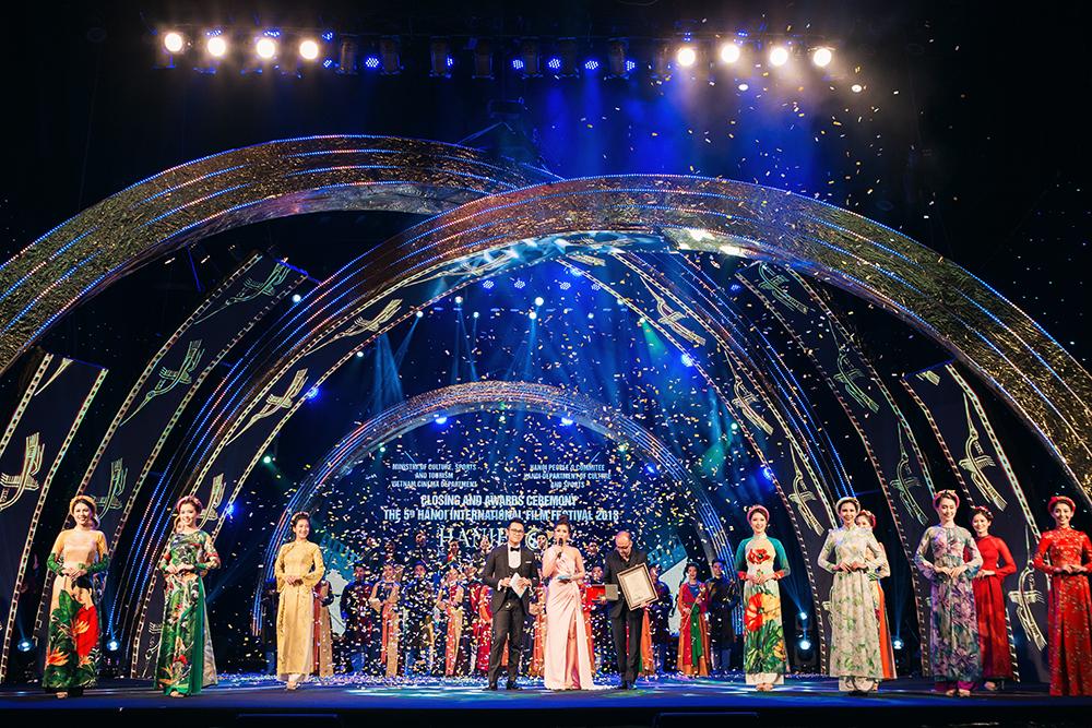 Phát huy tối đa tiềm năng, thế mạnh văn hoá, con người Hà Nội trong sự phát triển bền vững của Thủ đô
