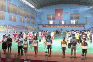 Huyện Ba Vì phổ cập bơi cho 300 trẻ em