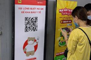 Hà Nội yêu cầu 100% khách ra, vào các điểm bán hàng thực hiện quét mã QR code khai báo y tế để quản lý thông tin