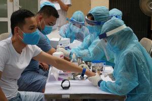 Thành phố Hà Nội thí điểm thành lập tổ xét nghiệm Covid-19 tự nguyện
